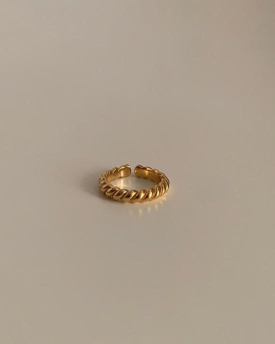 ZURI Gold Vermeil Twisted Ring