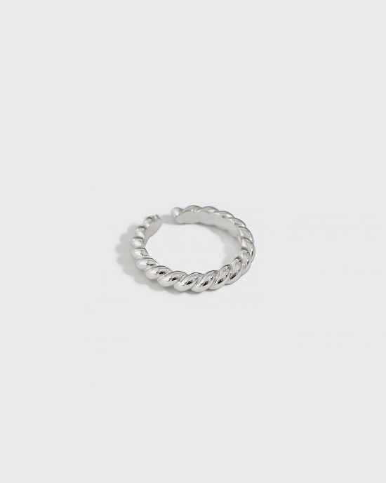 ZURI Sterling Silver Twisted Ring