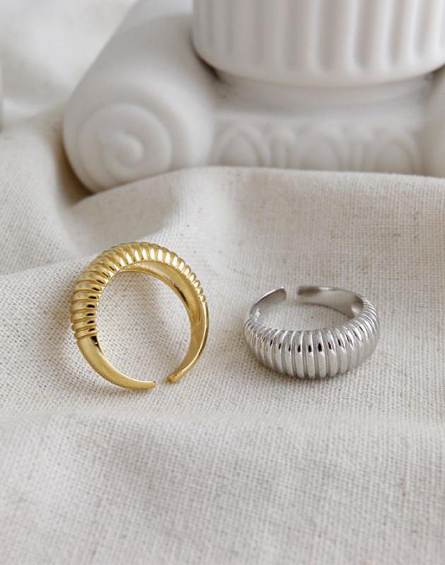 Marina Croissant Ring